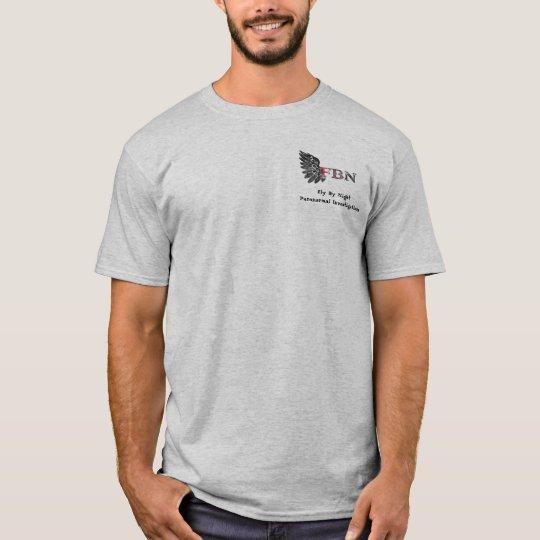 Mosca por la camiseta paranormal de las