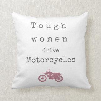 Motocicletas duras de la impulsión de las mujeres cojín decorativo