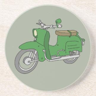 """Motorscooter verde """"Schwalbe """" Posavasos"""
