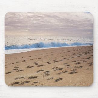 Mousepad: Ondas y huellas de la playa Alfombrilla De Ratón