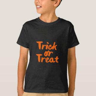 Movimiento anaranjado del cepillo de Halloween del Camiseta