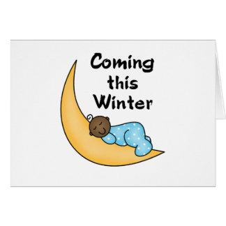 Muchacho afroamericano el invierno de la luna tarjeta de felicitación
