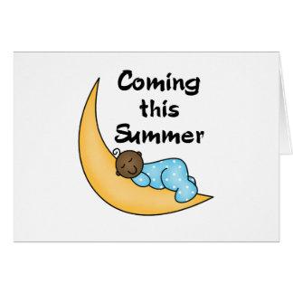 Muchacho afroamericano el verano de la luna tarjeta de felicitación