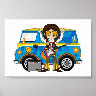 Muchacho del Hippie con la guitarra y la autocarav Posters