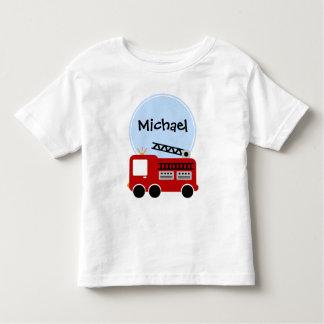 Muchacho personalizado del coche de bomberos camiseta de bebé