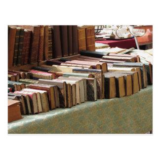 Muchos libros de la segunda mano en el mercado postal