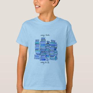 Muchos libros, la camiseta de mucho niño de los