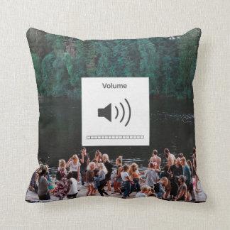 Mudo y volumen en la almohada