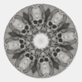 Mueca de los cráneos que recolectan al pegatina