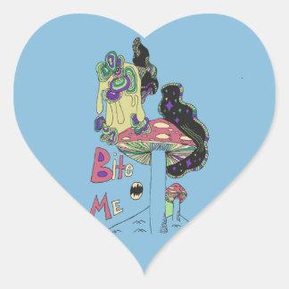 Muérdame pegatina del corazón (del azul)