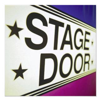 Muestra de la puerta de etapa del teatro invitación 13,3 cm x 13,3cm