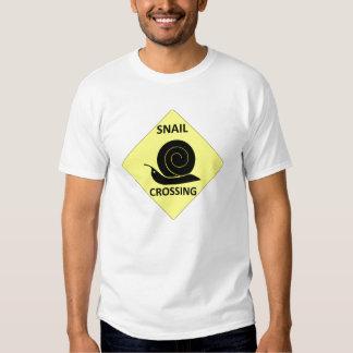 Muestra de la travesía del caracol camisetas