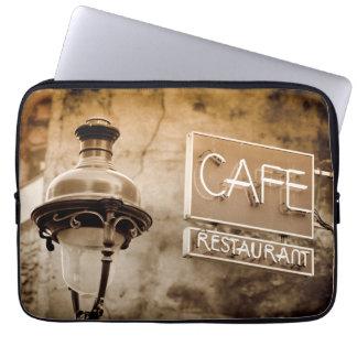 Muestra del café de la sepia, París, Francia Funda Para Ordenador