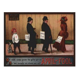 Muestra del día del inocente del vintage en perro postal
