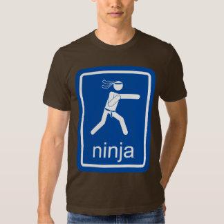 muestra del universal del ninja camisetas