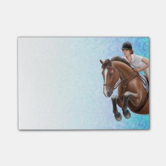 Muestre a caballo de salto las notas de post-it