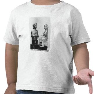 Mujer con el mantón camisetas