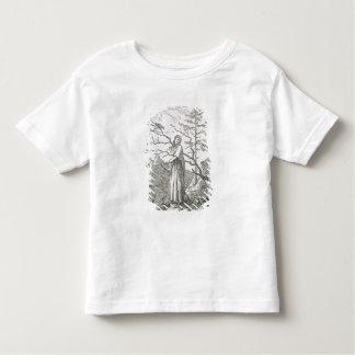Mujer con un cuervo, al borde de un precipicio camiseta