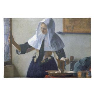 Mujer con un jarro de agua de Juan Vermeer Mantel Individual
