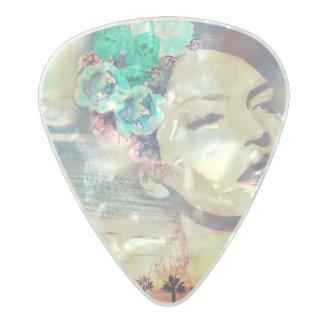 Mujer costera del verano de las palmas de púa de guitarra celuloide nacarado