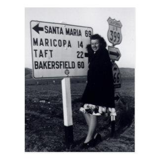 mujer de California de los años 40 Postal