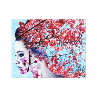 Mujer de la flor de cerezo impresión en lienzo