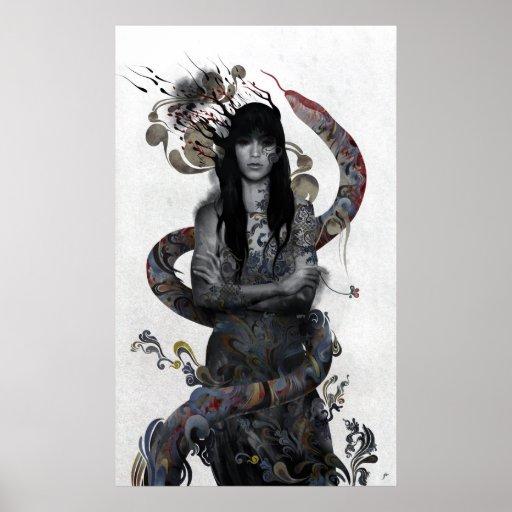 Mujer de la serpiente posters