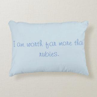 Mujer decorativa de los proverbios de la almohada