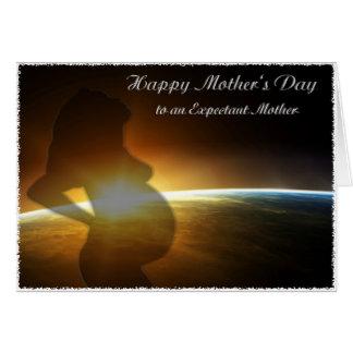 Mujer embarazada feliz del día de madre tarjeta de felicitación