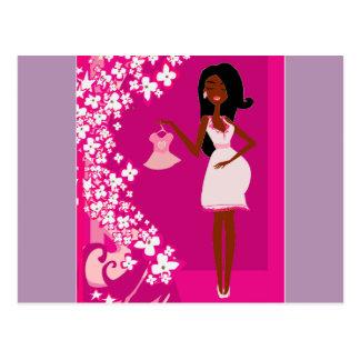 mujer embarazada negra postal