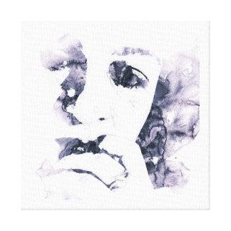 mujer en rasgones impresión en lienzo