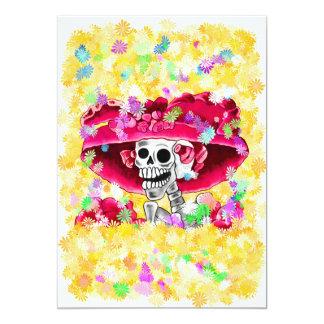 Mujer esquelética de risa en capo rojo invitación 12,7 x 17,8 cm
