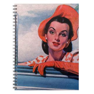 mujer hermosa de los años 40 en coche cuadernos