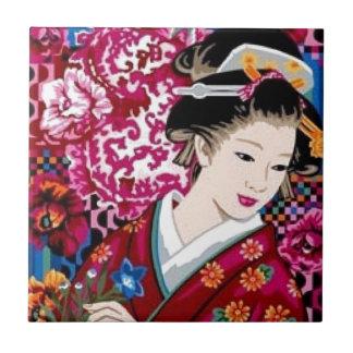 Mujer japonesa del vintage en kimono azulejo cuadrado pequeño