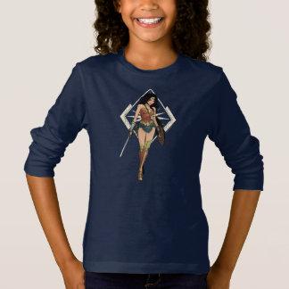 Mujer Maravilla con arte cómico de la espada Camiseta