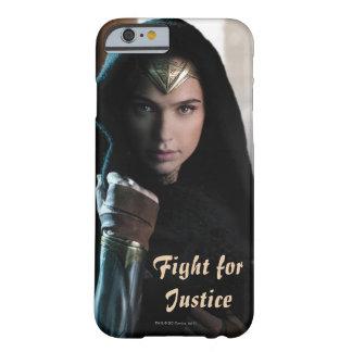 Mujer Maravilla en capa Funda Barely There iPhone 6