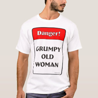 Mujer mayor gruñona camiseta