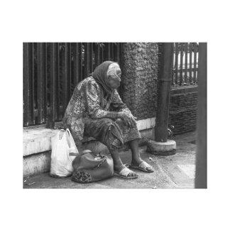 Mujer mayor impresión en lienzo