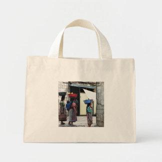 Mujeres del maya, Antigua, Guatemala. Bolsas