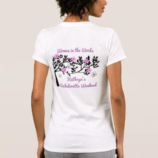 Mujeres en el fiesta de Bachelorette de maderas Camiseta