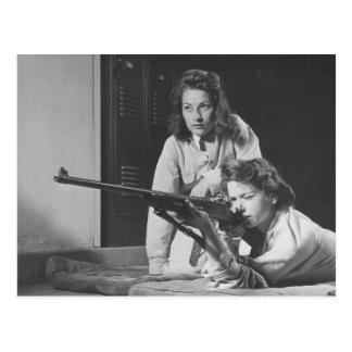 Mujeres para la segunda enmienda - vintage postal