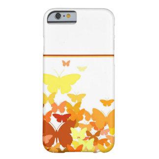Multitud de mariposas funda barely there iPhone 6