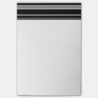Multitudes de rayas blancos y negros desiguales notas post-it®