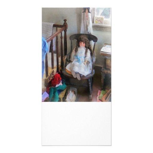 Muñeca en cuarto de niños tarjetas con fotos personalizadas