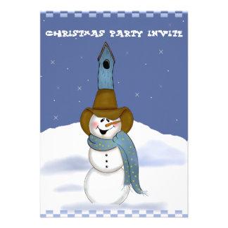 Muñeco de nieve del vaquero con el Birdhouse