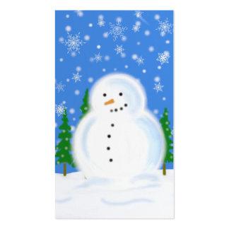Muñeco de nieve en etiqueta del regalo de la tarjetas de visita