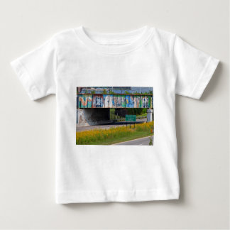 Mural del parque zoológico camiseta de bebé