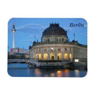 Museo presagiado y Fernsehturm en Berlín Imán Flexible