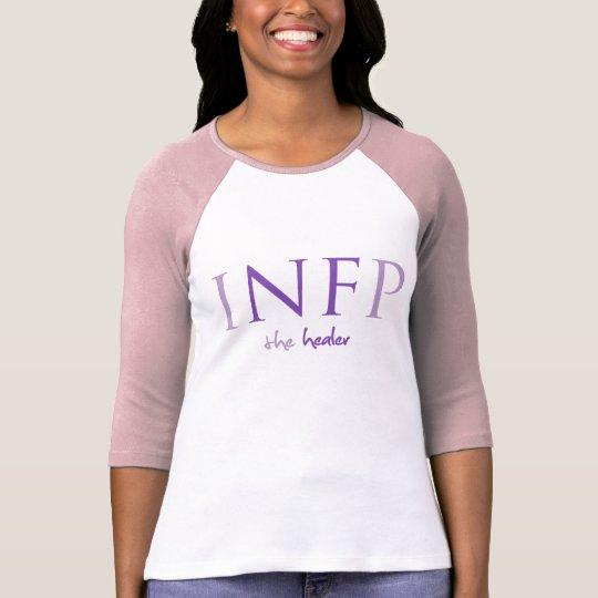 Myers-Briggs rosado INFP la camiseta del curador
