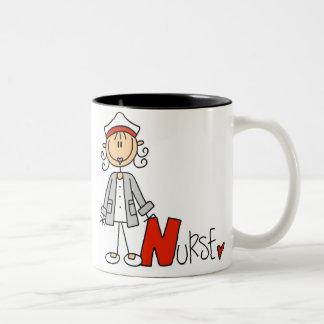 N está para la enfermera taza de café de dos colores